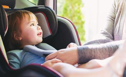 Nieuwsbericht: Veel kinderen onveilig vervoerd in auto