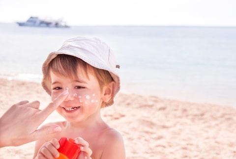Nieuwsbericht: Zonnetjesweek: informatie over zonbescherming bij het jonge kind